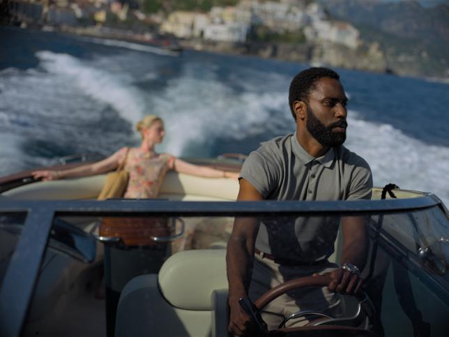 John David Washington será la estrella del verano… y no solo por ser hijo de Denzel Washington