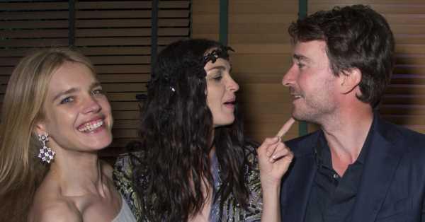 El 'lookazo' de la testigo que casi eclipsa a la novia: Mariacarla Boscono en la boda de Natalia Vodianova