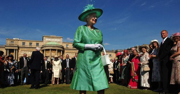 La reina de Inglaterra cancela sus fiestas favoritas de verano en los jardines de Buckingham
