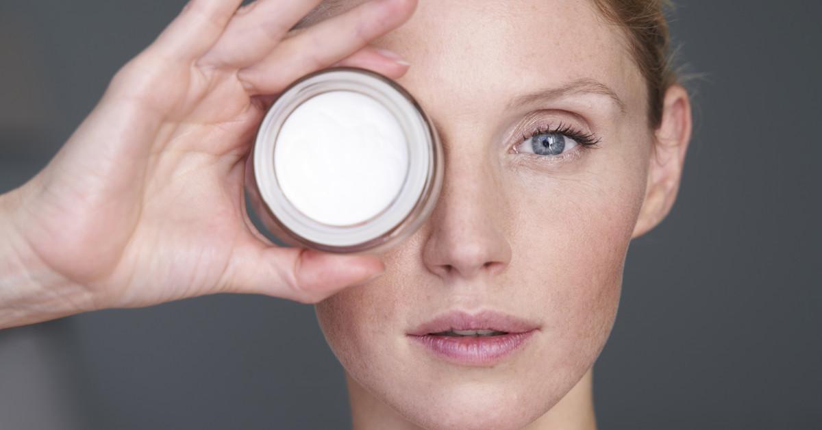 Los mejores contornos de ojos de farmacia para cada necesidad