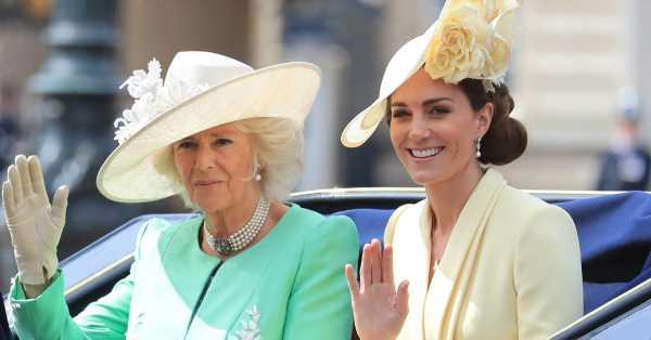 El significado de la pulsera que Camilla le regaló a Kate Middleton cuando se casó con Guillermo