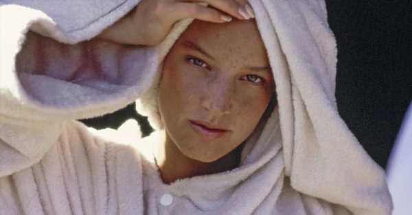 Esta toalla turbante no solo seca más rápido el pelo (también evita su rotura y la electricidad estática)