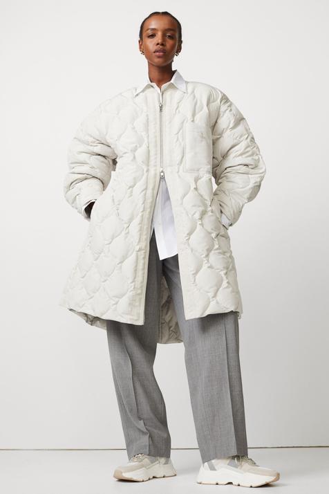 El abrigo más original de la temporada está en la web de H&M y ya tiene lista de espera