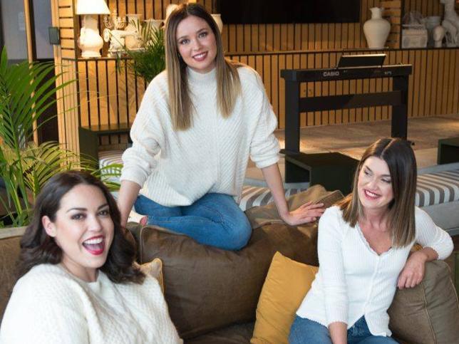 Tras arrasar en Instagram con su reivindicación del cuerpo tras el embarazo, Dafne Fernández protagoniza una campaña de moda inclusiva, a un mes de dara a luz