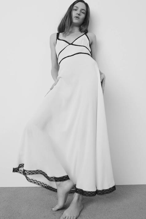 En color blanco y con encaje, Zara nos propone un sexy camisón ideal para casa y para la calle