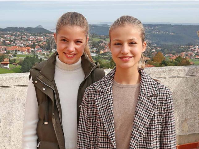 Analizamos al detalle el estilo de Leonor y Sofía: sus marcas favoritas, sus imprescindibles y cómo evolucionan sus gustos por separado (por fin)