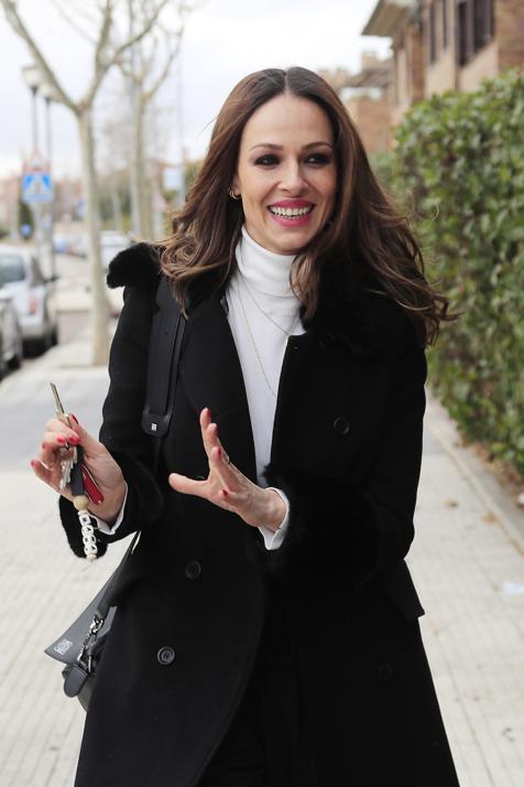 Eva González tiene las botas calentitas más deseadas por las famosas para soportar el frío invernal