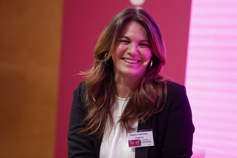 Fabiola Martínez da la bienvenida a un nuevo miembro de la familia