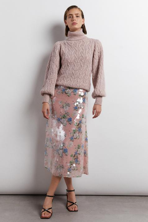 Esta falda de lentejuelas de Sfera es tan bonita y versátil que querrás llevarla todos los días