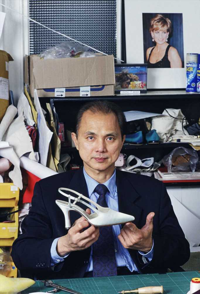 Jimmy Choo abre una universidad de moda en Londres