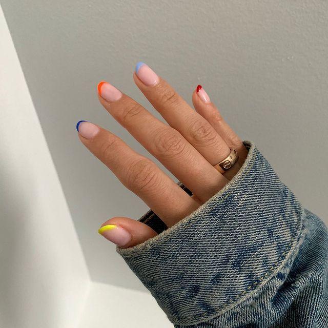Manicura francesa de colores: esta es la nueva tendencia de uñas que más se lleva