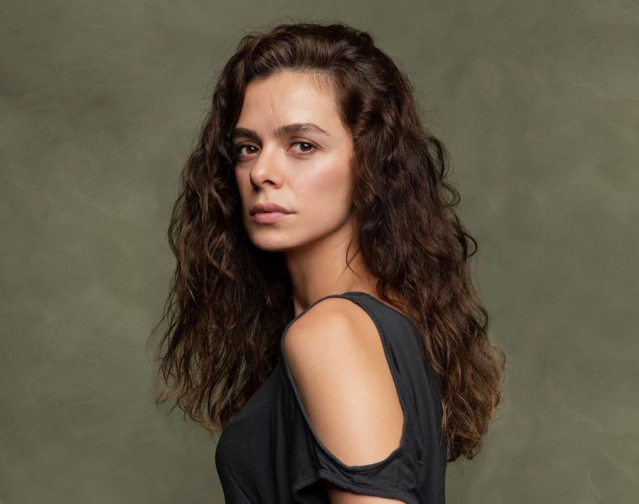Özge Özpirinçci, Bahar en 'Mujer', será pareja de Kivanç Tatlitug en una nueva serie