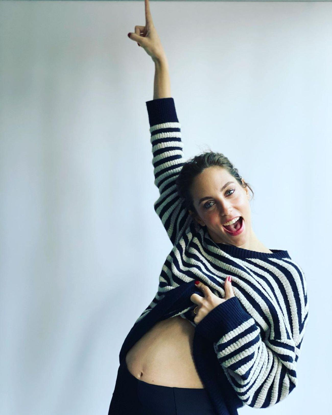 La actriz Öykü Karayel espera su primer hijo para primavera