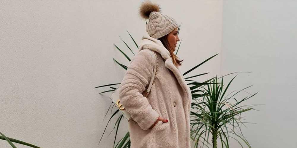 Paula Echevarría nos hace soñar con nieve gracias a su abrigo de pelo tipo peluche de Primark