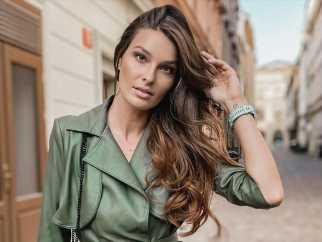 Si quieres tener un pelo con brillo, volumen y densidad necesitas ir a la pelu para hacerte un facial en el cuero cabelludo