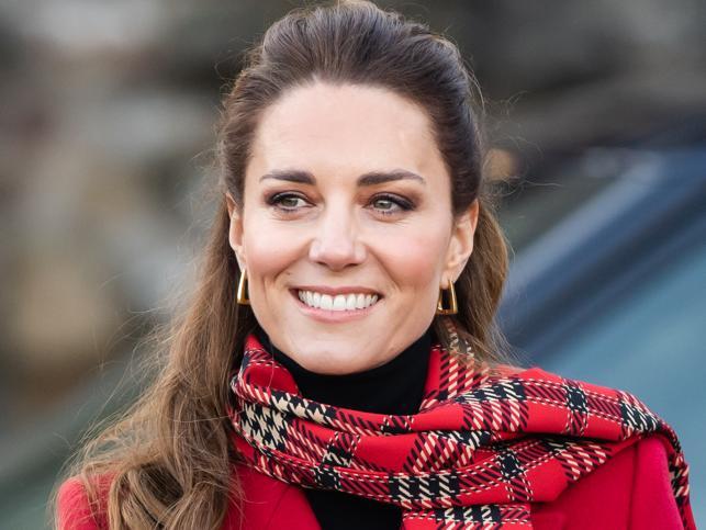 El pelo super liso también quita años a los 40 y será tendencia esta primavera ¡Palabra de Kate Middleton!