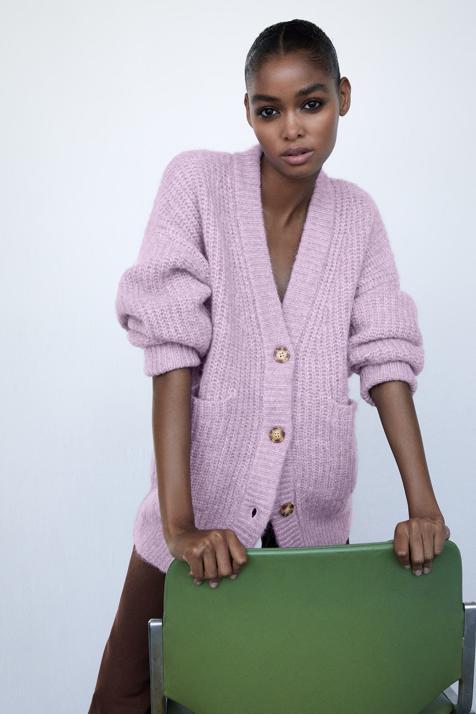 Disponible en varios colores pastel, esta chaqueta de Zara por menos de 16 euros que está a punto de agotarse va a ser la clave de tus looks más abrigados
