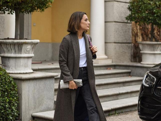 Chaleco acolchado de Zara y los leggings más estilizadores: Tamara Falcó sorprende con su look de calle más sport