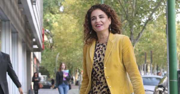 María Jesús Montero: cirujana, madre de dos hijas, amante de la ópera y ¿próxima rival de Susana Díaz?