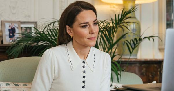 El jersey fino de inspiración setentera que Kate Middleton ha llevado en su última videollamada
