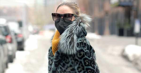 Olivia Palermo tiene el antídoto contra el frío: gran abrigo, botas de montaña y mucho color