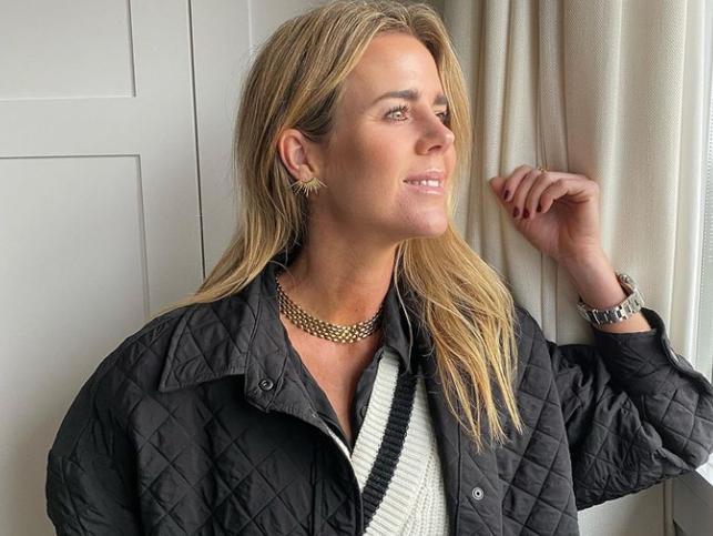 La blazer de cuadros de Amelia Bono es todo lo que necesitas para salir a la calle ahora que viene el buen tiempo