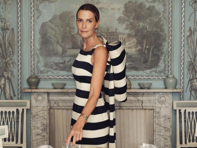 Un atentado a los 11 años, dama de honor de Lady Di a los 13, modelo de Ralph Lauren en los 80… La apasionante vida de India Hicks, la royal rebelde que recibe a la jet en su mansión de las Bahamas