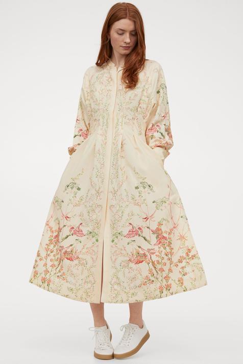 El vestido más original (y florido) de la próxima temporada solo se puede comprar en la web de H&M