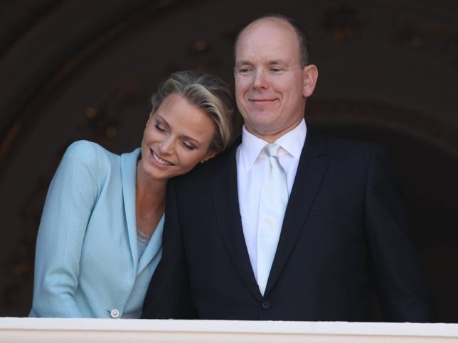 as parejas reales en las que nadie creía: las curiosas y accidentadas historias de amor de Charlene de Mónaco, Máxima de Holanda, Harald de Noruega y Victoria de Suecia