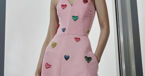 Semana de la moda de Nueva York: los vestidos más femeninos y románticos de Carolina Herrera con los que serás la invitada perfecta