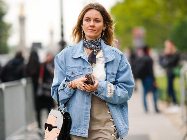 Esta chaqueta vaquera de Zara es la máxima tendencia de la nueva colección e ideal para combinar con todo esta primavera