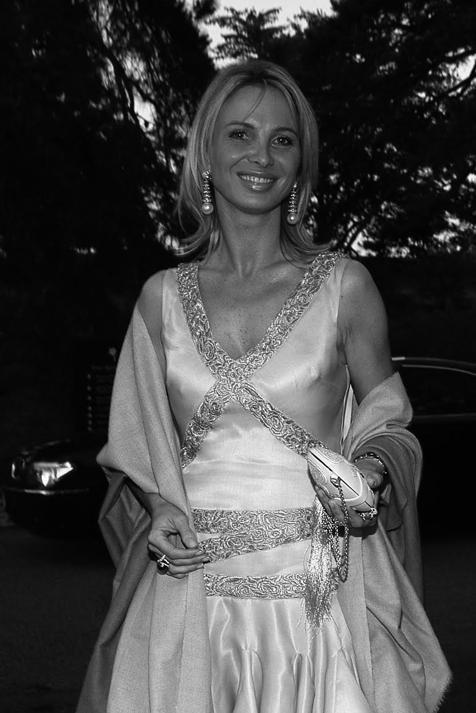 Rubias, de ojos claros y con un parecido impresionante: ¿qué tiene en común (además de su físico) María Gabriela de Saboya, el primer amor del rey Juan Carlos I y Corinna Larsen?
