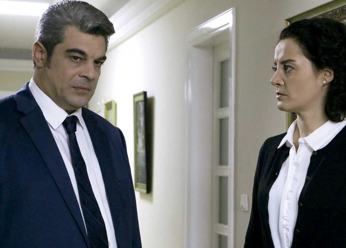 """""""Reyhan se irá de la mansión""""; 'Elif'"""