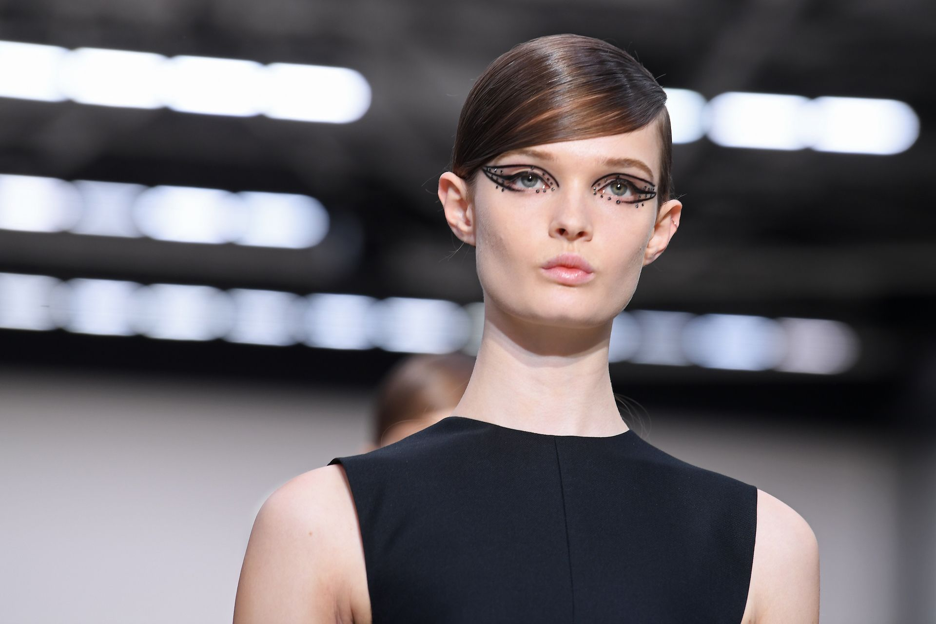Valentino cae en ventas, pero sube en China y en Internet