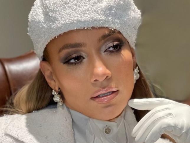 Jennifer Lopez demuestra con esta foto sin maquillaje que este sérum le deja la piel firme y sin arrugas