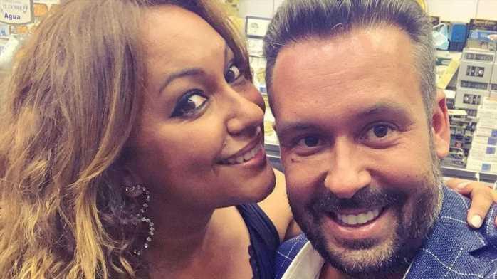 Kike Calleja anuncia su compromiso con Raquel Abad