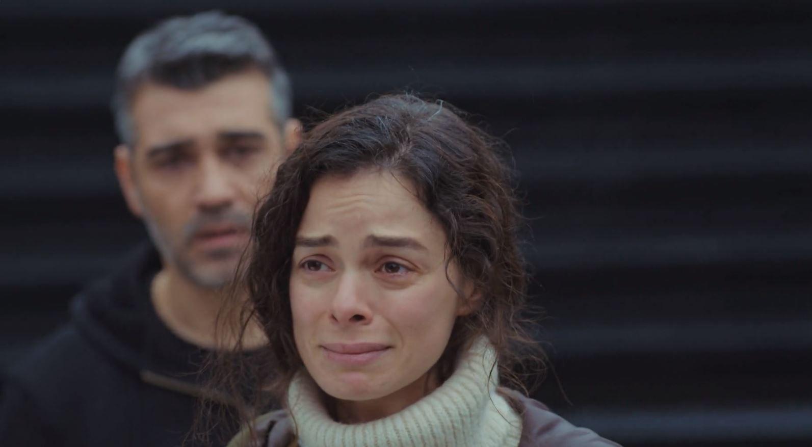 'Mujer': Bahar, Sarp y Piril, obligados a compartir casa