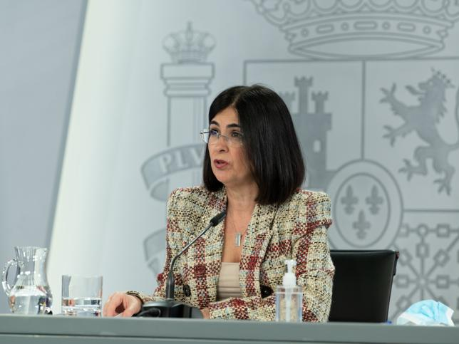 La blazer de cuadros de Zara con más éxito que también ha enamorado a Carolina Darias, la ministra de Sanidad