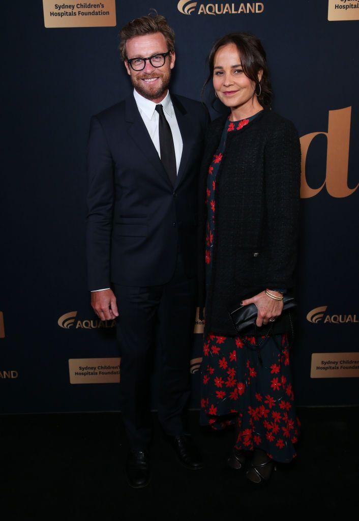 Simon Baker y Rebecca Rigg se separan tras 29 años de relación