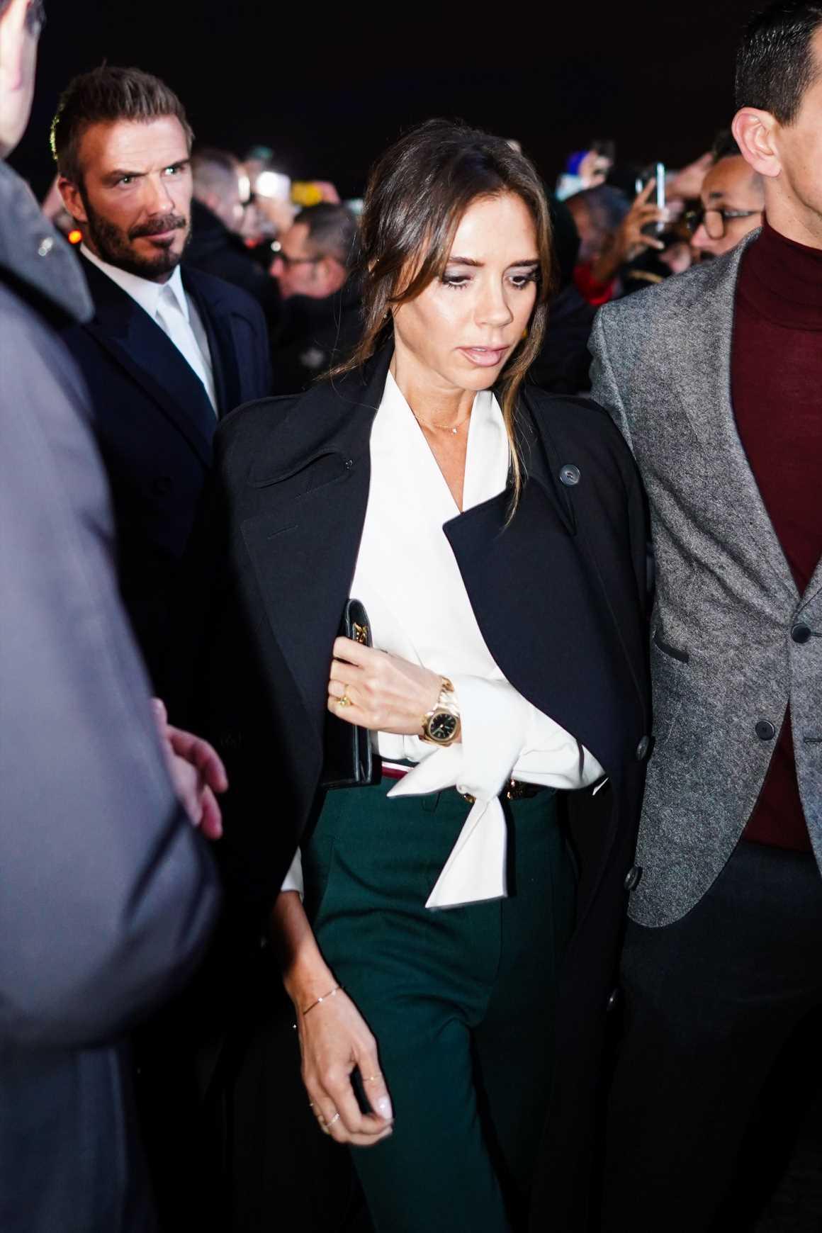 Victoria Beckham y el vestido negro de punto más favorecedor