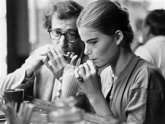 La anécdota más inquietante del documental de Woody Allen (y hay muchas): cuando quiso seducir a Mariel Hemingway en el rodaje de Manhattan con un beso y un viaje a París en habitación compartida (él tenía 44 años y ella, 16)