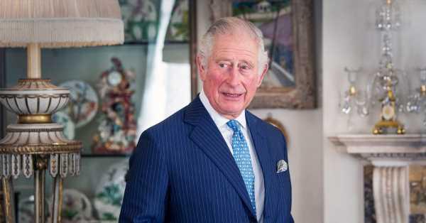 El príncipe Carlos, en estado de desesperación por lo que Harry y Meghan han contado de él en su entrevista