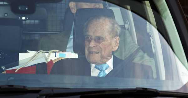 Duro golpe para el duque de Edimburgo: perdió a su paje más querido el mismo día que ingresó en el hospital
