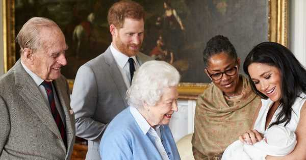 Ni Isabel II ni el duque de Edimburgo: ¿quién fue el pariente de Harry que preguntó sobre el color de piel de Archie? Repasamos el historial familiar con el racismo
