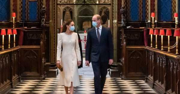 Kate y Guillermo evocan el día de su boda en una emotiva visita a la abadía de Westminster