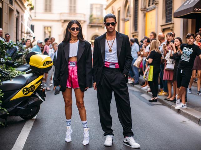 Con gabardina oversize, camisa blanca cropped y vestido cut out: tres looks de About You, la nueva tienda multimarca que arrasa en Instagram