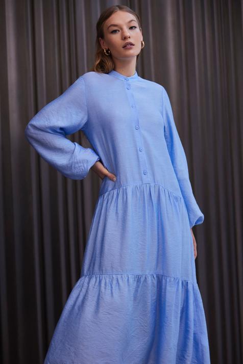 Lefties apuesta por el azul bebé para los dos diseños de vestidos que no pueden faltar en tu armario primaveral