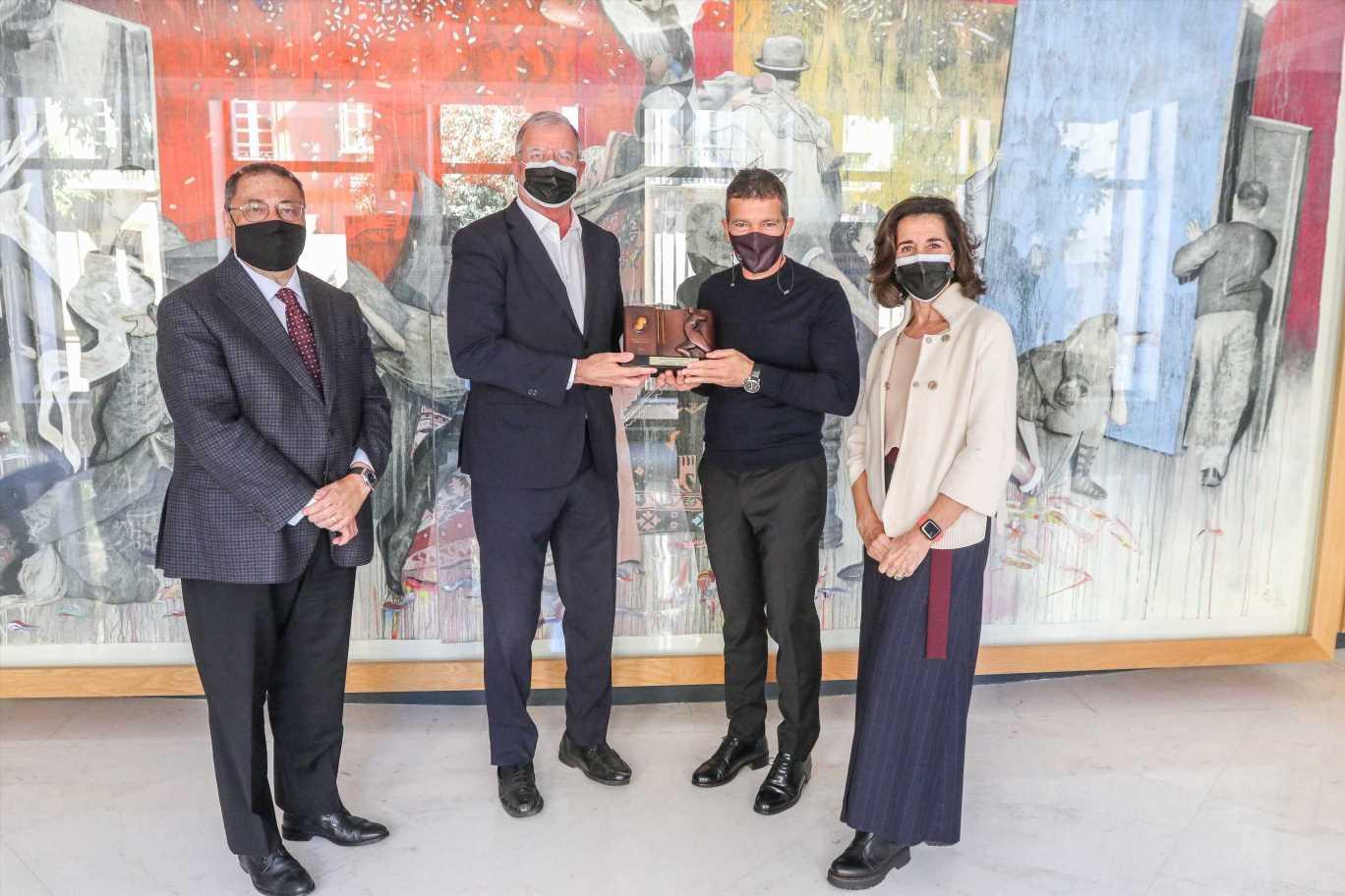 Antonio Banderas recibe un Premio Sport Cultura Barcelona por el Teatro Soho de Málaga