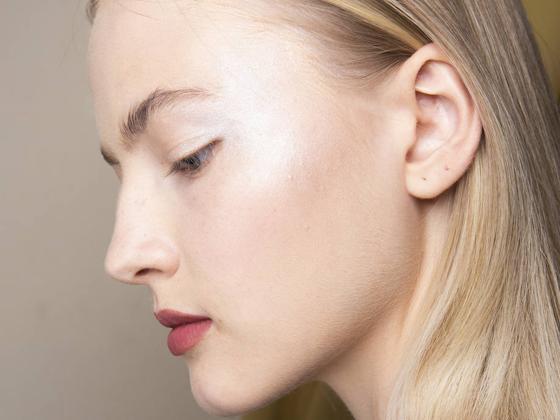 Cómo conseguir una piel radiante y luminosa (según tu tipo de piel) con una rutina muy sencilla que quita años
