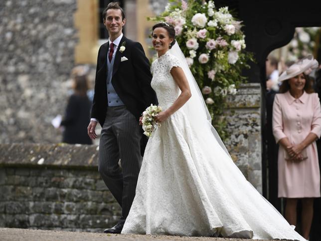 Pippa Middleton se lo ha montado mejor que Kate Middleton (y mucho): tiene fortuna propia, palacete, conseguirá un título y todo esto sin aguantar a la prensa rosa (y sin pelearse con nadie)